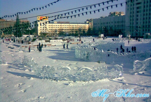 Длинная Скульптура Ледяного Дракона