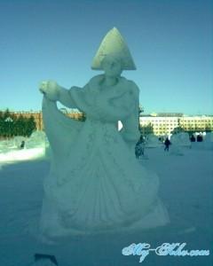Снегурочка на Площади Ленина Хабаровска в новом 2013 году.