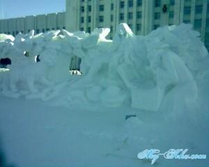 ледяная( снежная ) Русалочка на Площади Ленина Хабаровска.